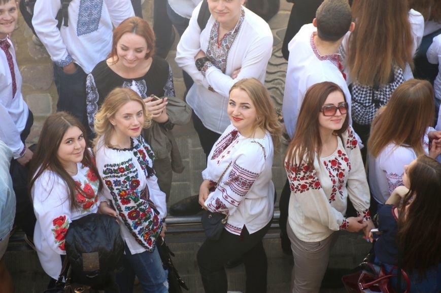 У Львові відбувся масштабний парад вишиванок: фоторепортаж, фото-5