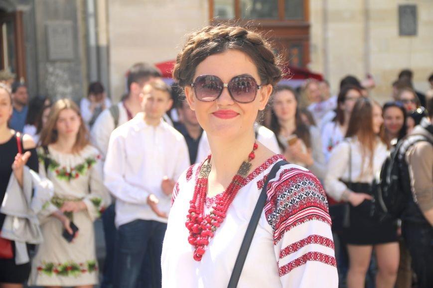 У Львові відбувся масштабний парад вишиванок: фоторепортаж, фото-6