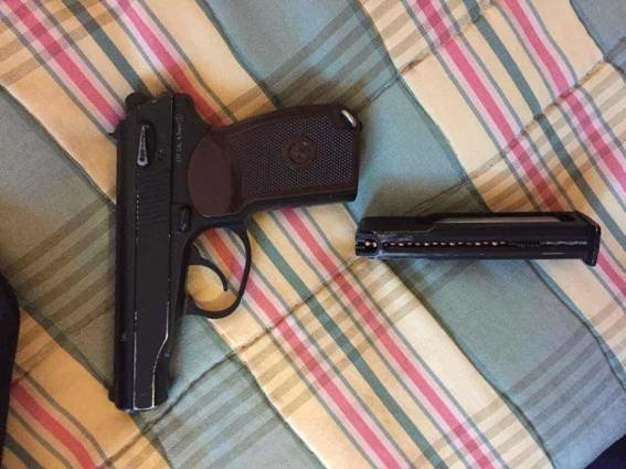 У Берегові затримали 23-річного злочинця, який погрожував пістолетом 7 підліткам: фото, фото-1