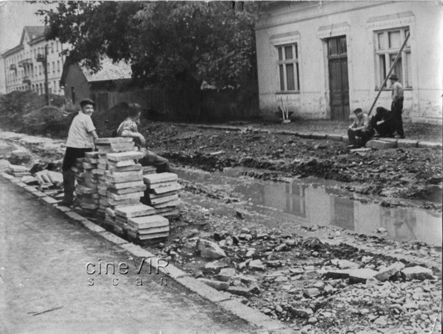 Як в Ужгороді ремонтували дороги 45 років тому: фото, фото-2