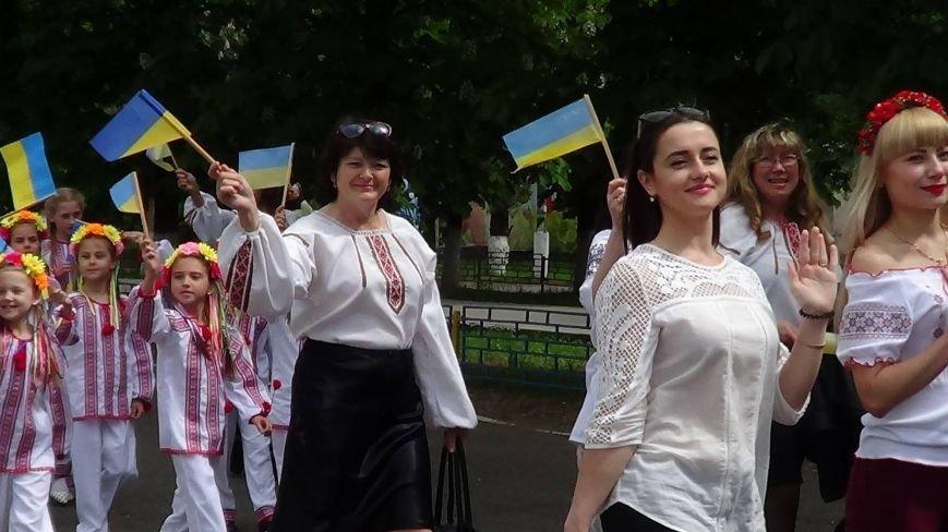 Жители греческих поселков собрались в Мангуше на парад в вышиванках (ФОТО), фото-11