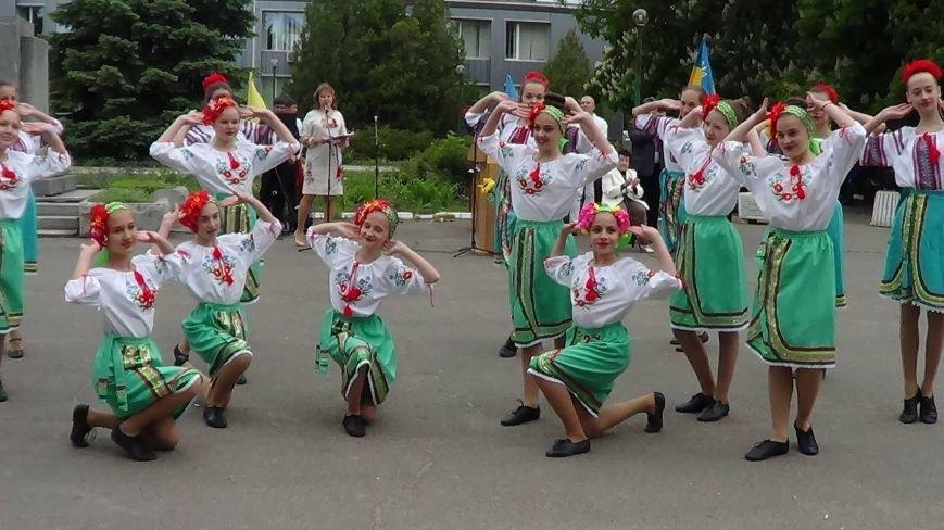 Жители греческих поселков собрались в Мангуше на парад в вышиванках (ФОТО), фото-3