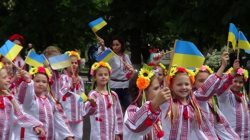 Жители греческих поселков собрались в Мангуше на парад в вышиванках (ФОТО), фото-12