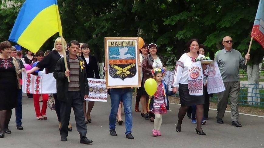 Жители греческих поселков собрались в Мангуше на парад в вышиванках (ФОТО), фото-10