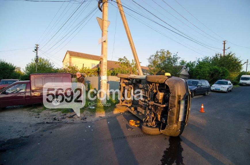 В Каменском вследствие ДТП столкнулись Fiat Doblo и Chery Amulet, фото-2