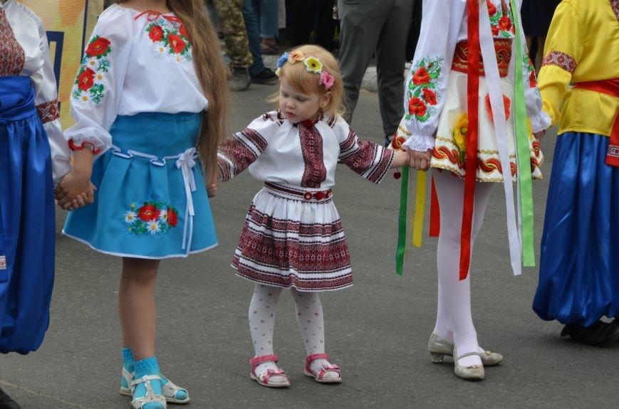 В Мариуполе прошел масштабный парад вышиванок (ФОТОРЕПОРТАЖ+ВИДЕО), фото-16