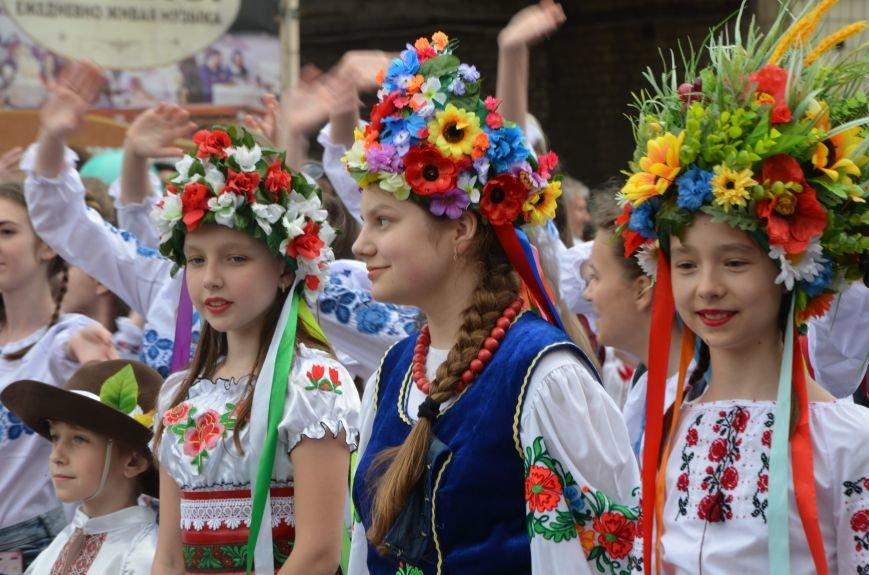 В Мариуполе прошел масштабный парад вышиванок (ФОТОРЕПОРТАЖ+ВИДЕО), фото-13