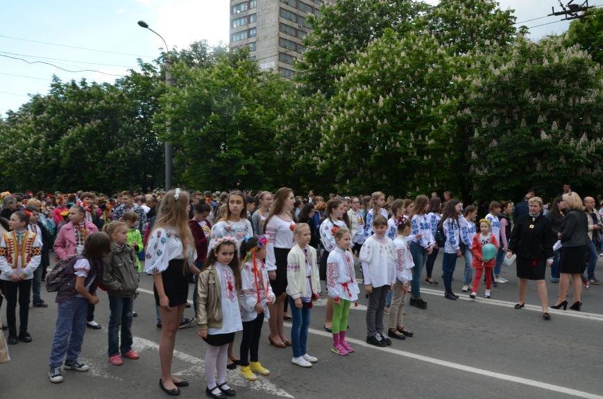 В Мариуполе прошел масштабный парад вышиванок (ФОТОРЕПОРТАЖ+ВИДЕО), фото-1