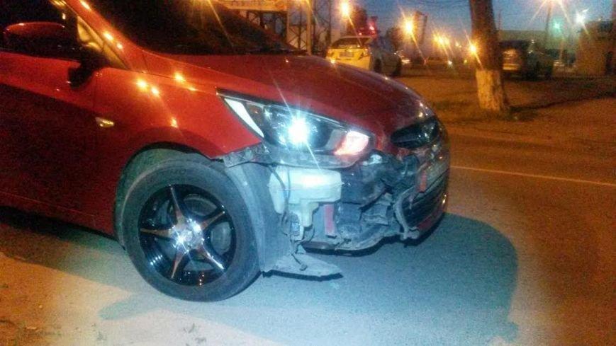 В Мариуполе в ДТП с легковушкой перевернулся микроавтобус. Пострадал мужчина, фото-4