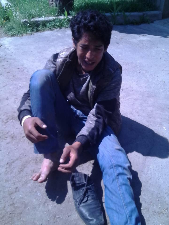Ужгородець у соцмережах опублікував фото нахабного рома, який серед білого дня вирвав з рук у жінки сумочку, фото-2