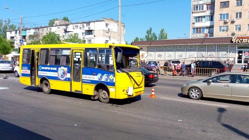 Одесса: в аварии в Лузановке пострадали пассажиры маршрутки, фото-2