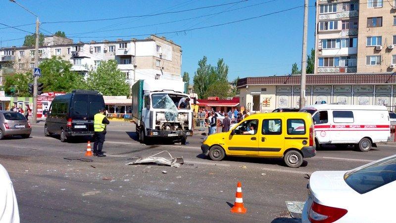 Одесса: в аварии в Лузановке пострадали пассажиры маршрутки, фото-1