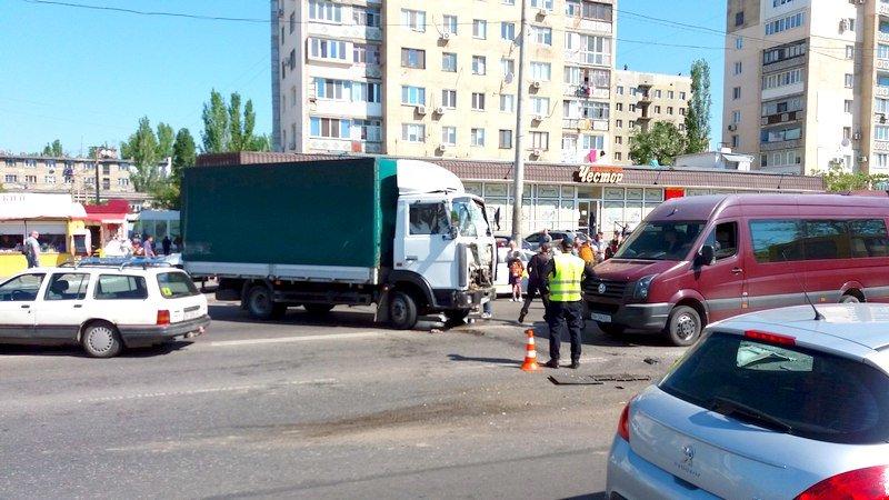 Одесса: в аварии в Лузановке пострадали пассажиры маршрутки, фото-3