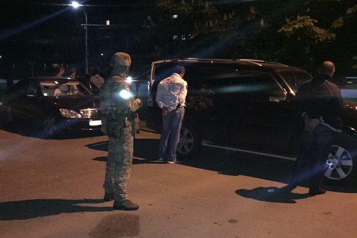 У СБУ розповіли деталі резонансного затримання контрабандистів зброї та наркотиків у Боздоському парку: фото, відео, фото-1