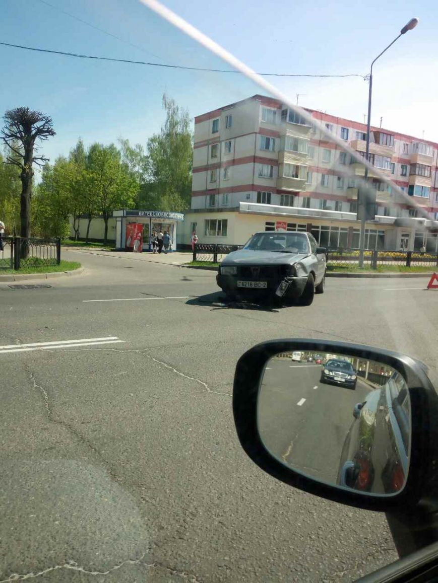 В Новополоцке две легковушки не поделили проезжую часть дороги. ФОТОФАКТ, фото-1