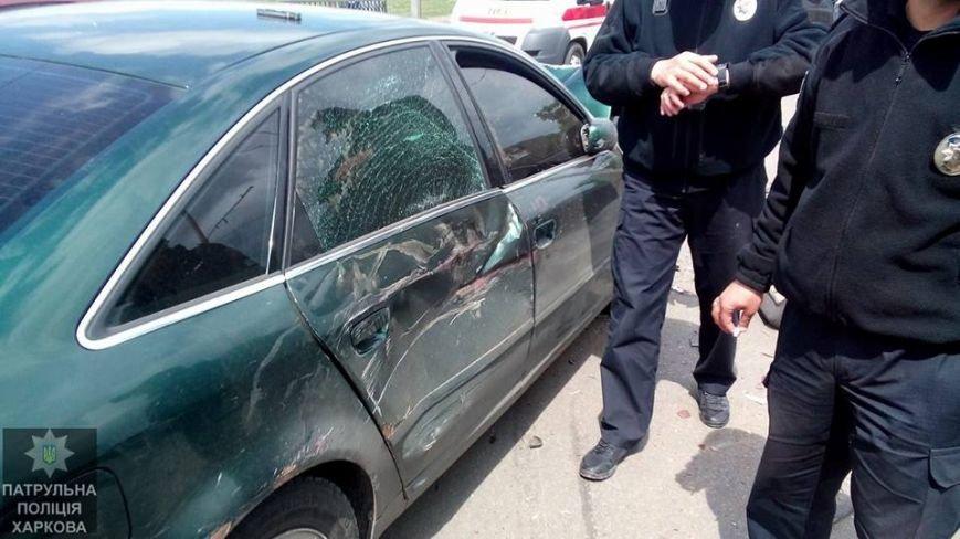 На Салтовке столкнулись четыре автомобиля: одну из машин перевернуло на бок (ФОТО), фото-2