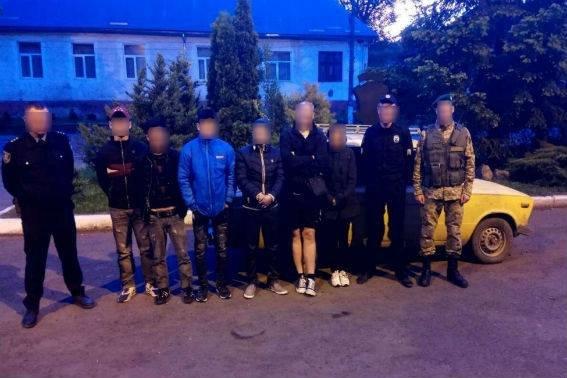 """Як п'ятеро нелегалів Ужгородом і Перечином на """"Жигулях"""" катались: фото, фото-1"""