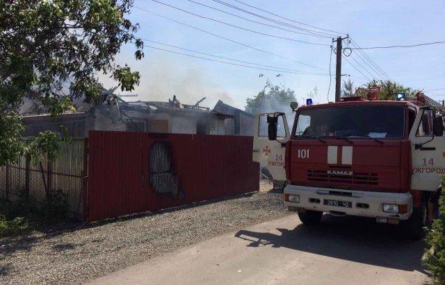 Мешканці Розівки, що неподалік Ужгорода, розповіли про пожежу у меблевому цеху: фото, фото-4