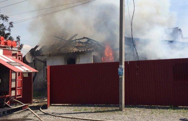 Мешканці Розівки, що неподалік Ужгорода, розповіли про пожежу у меблевому цеху: фото, фото-3