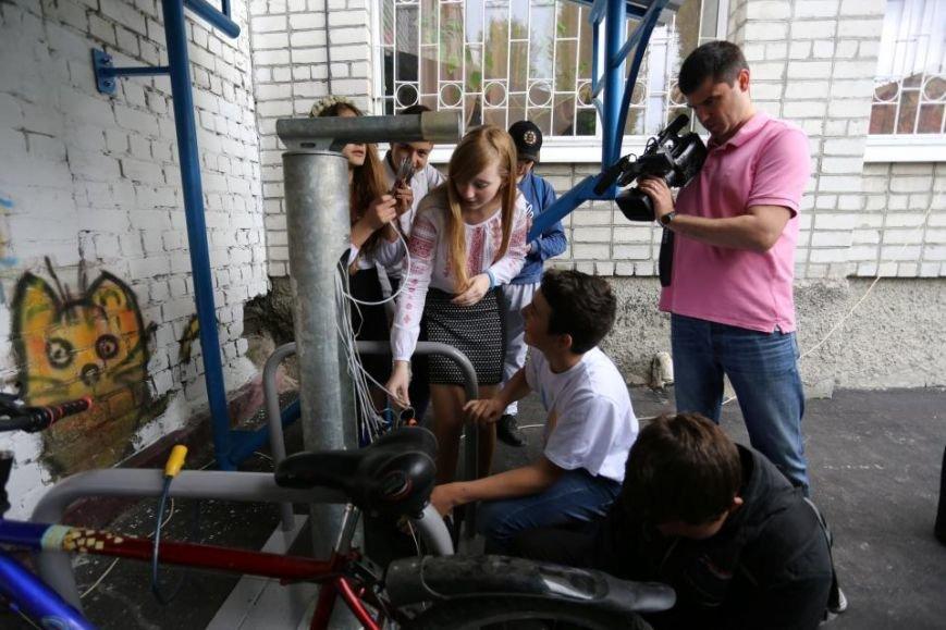 Мечты сбываются! В кременчугском лицее появилась велопарковка и станция техобслуживания (ФОТО), фото-5