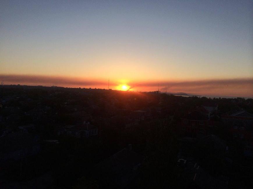 Густой шлейф на весь горизонт. Мариупольские заводы делают выбросы по ночам (ФОТО), фото-2