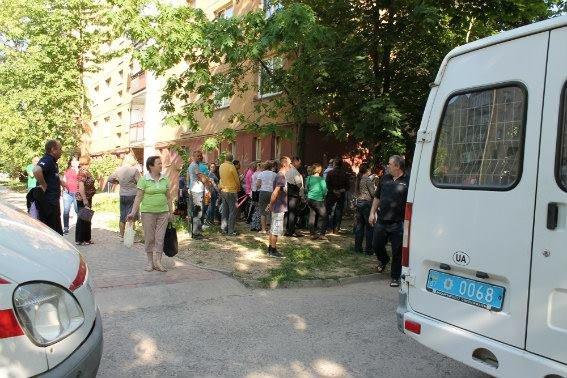 В Ужгороді поліцейський отримав кулю у голову, але все одно затримав грабіжника: фото, фото-3