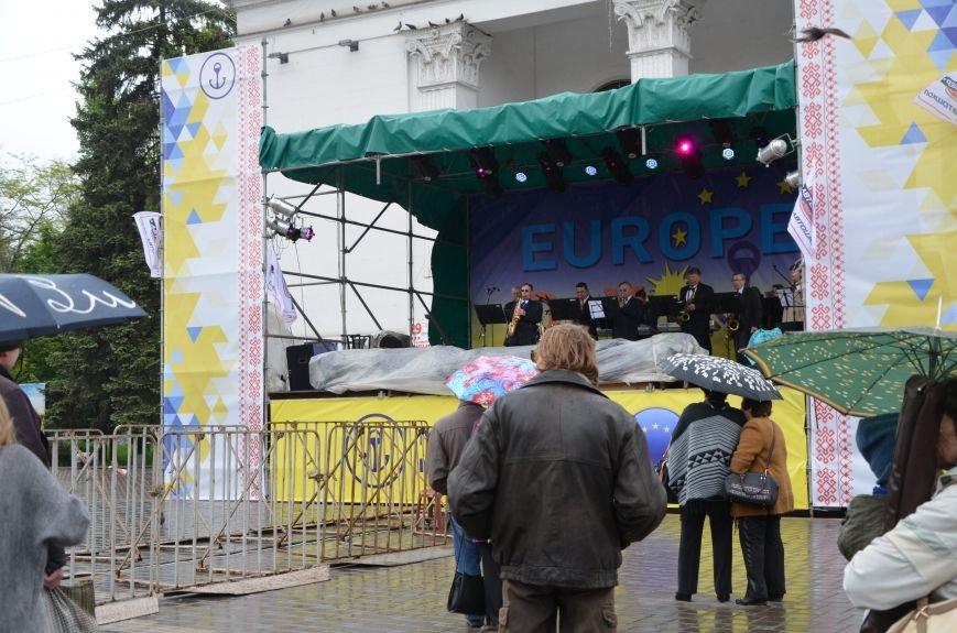 В Мариуполе под дождем отмечали День Европы (ФОТОРЕПОРТАЖ+ВИДЕО), фото-11