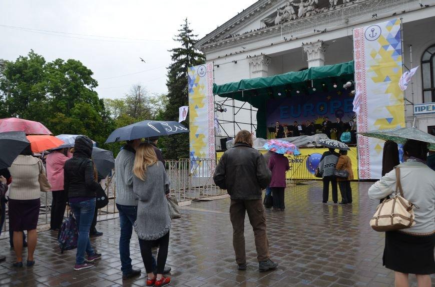 В Мариуполе под дождем отмечали День Европы (ФОТОРЕПОРТАЖ+ВИДЕО), фото-12