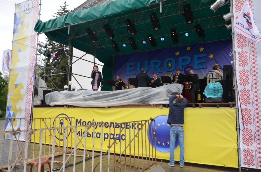 В Мариуполе под дождем отмечали День Европы (ФОТОРЕПОРТАЖ+ВИДЕО), фото-2