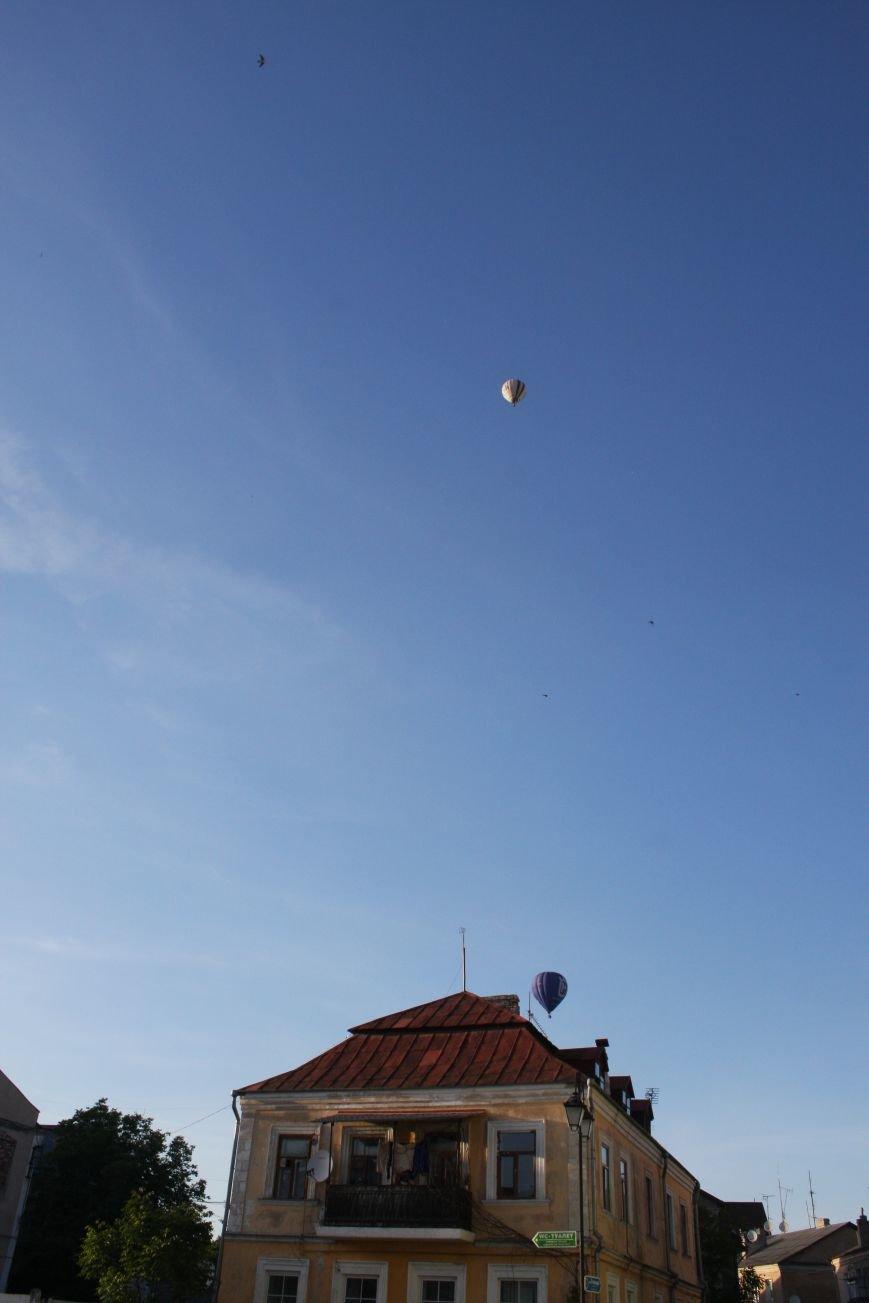 Небо Кам'янця заполонили повітряні кулі (фото), фото-1