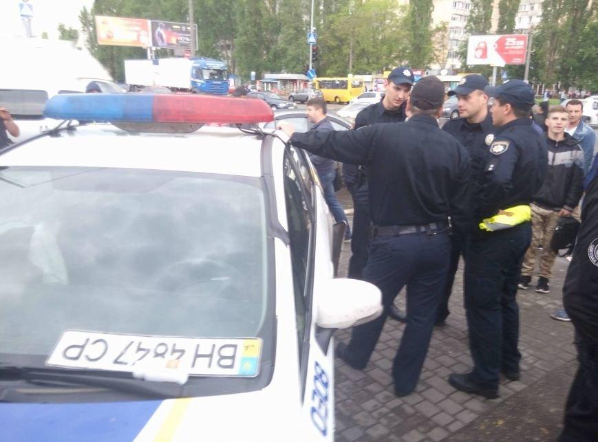 В Одессе полиция врезалась в магазин: пострадали две девушки (ФОТО, ВИДЕО), фото-8