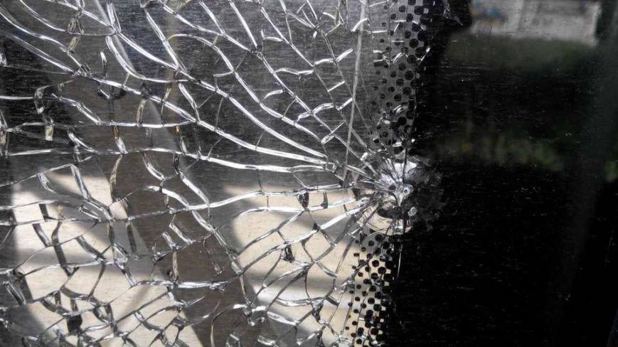 В Харькове неизвестные обстреляли троллейбус (ФОТО), фото-5