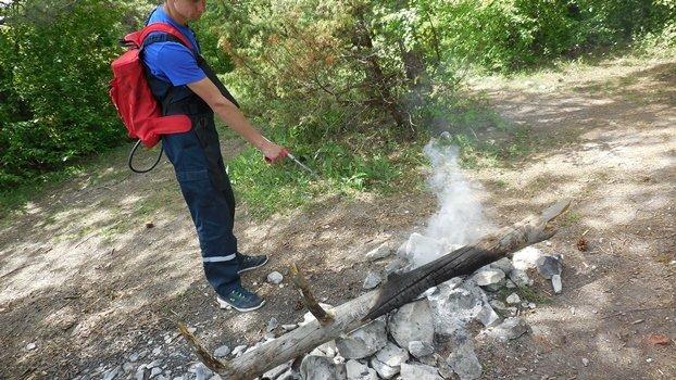 Крымским спасателям проходится выносить мусор за отдыхающими (ФОТО), фото-1