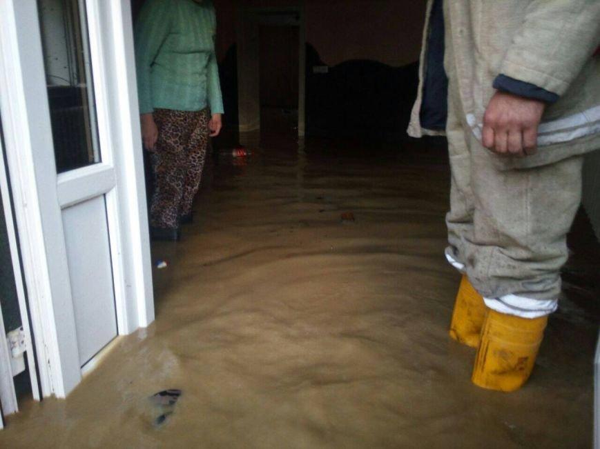 Негода на Закарпатті - підтоплено близько ста дворогосподарств: фото, фото-1