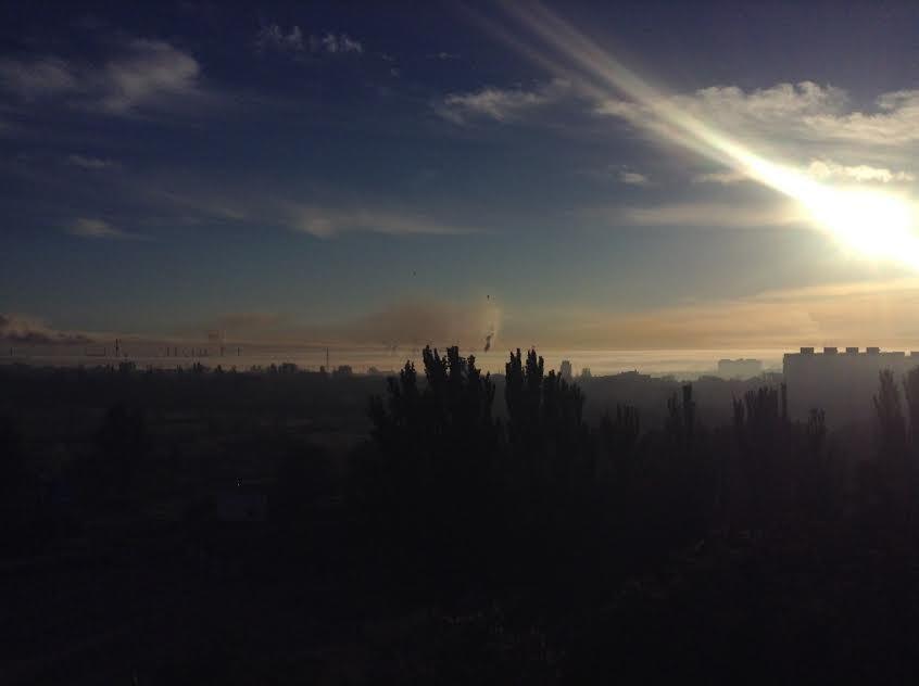 Мариупольцы встают пораньше, чтобы увидеть, как ночью дымит завод (Фотофакт), фото-7