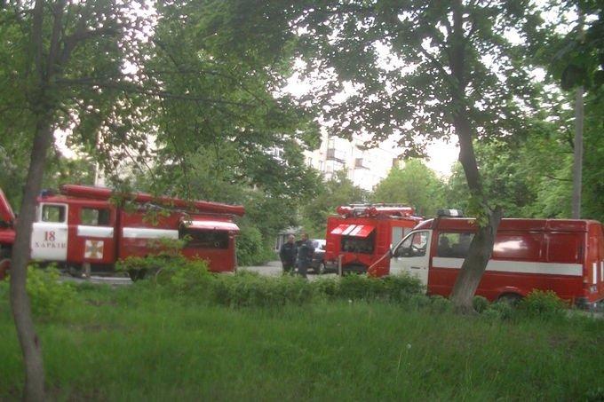 В Харькове спасатели эвакуировали людей из горящей девятиэтажки (ФОТО), фото-1