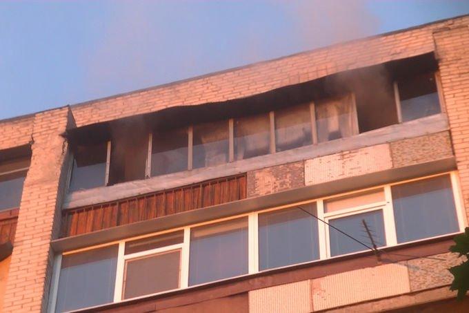 В Харькове спасатели эвакуировали людей из горящей девятиэтажки (ФОТО), фото-3