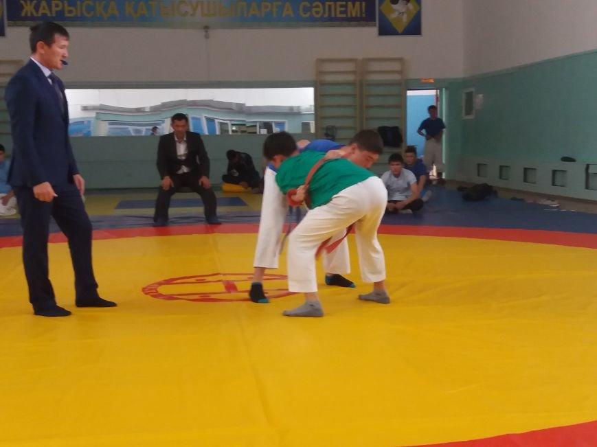 В Актау впервые в истории региона прошел чемпионат по борьбе на поясах, фото-1