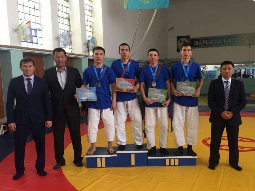 В Актау впервые в истории региона прошел чемпионат по борьбе на поясах, фото-4