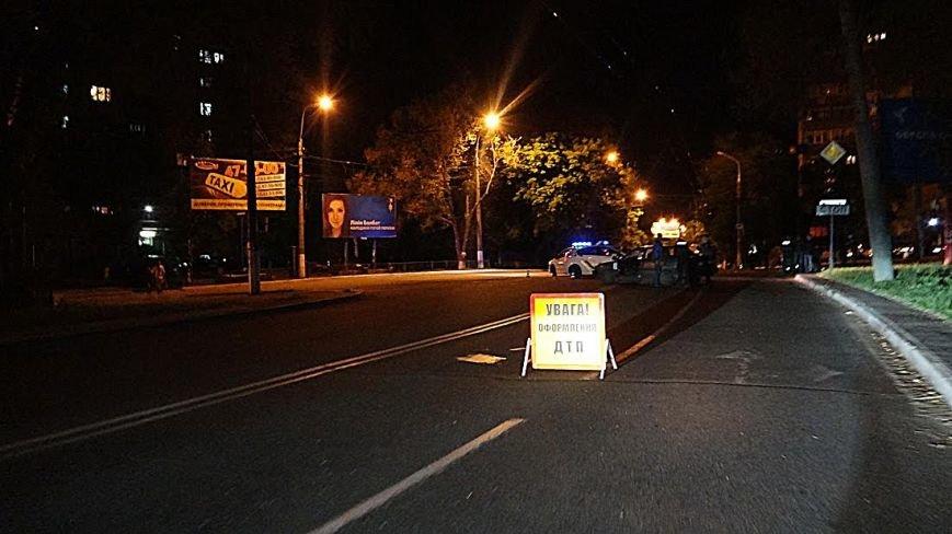 В Мариуполе на перекрестке перевернулась легковушка (Дополнено,ФОТО), фото-6