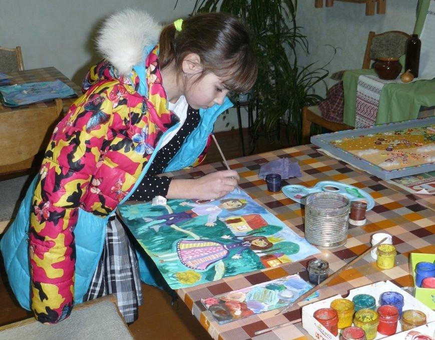 Много рисуют и с удовольствием. Узнали, как дела у победителей детского конкурса рисунка на Gorod214.by, фото-3
