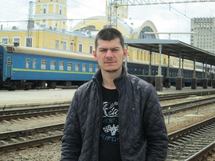 Життя на рубежі: Подорож до міст прифронтової зони у Луганську область, фото-2