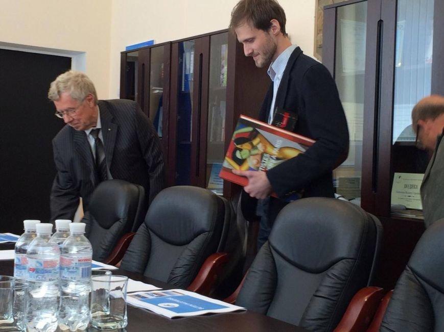 Французы хотят помочь Мариуполю разобраться с мусором, водообеспечением  и улучшить набережную (ФОТО), фото-4