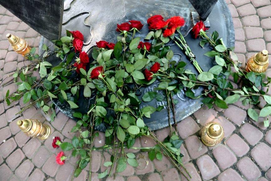 Незабуті: у Львові пом'янули померлих від епідемії ВІЛу та СНІДу (ФОТОРЕПОРТАЖ), фото-12