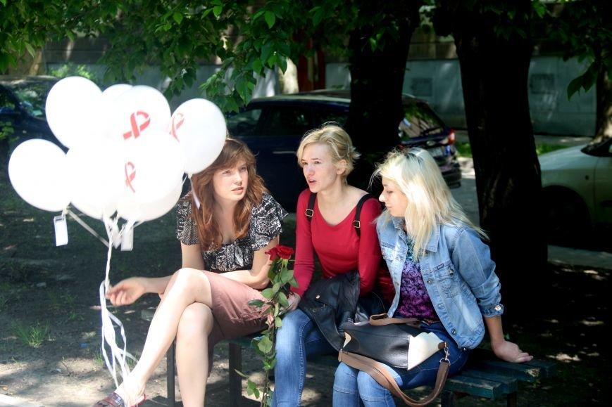 Незабуті: у Львові пом'янули померлих від епідемії ВІЛу та СНІДу (ФОТОРЕПОРТАЖ), фото-1