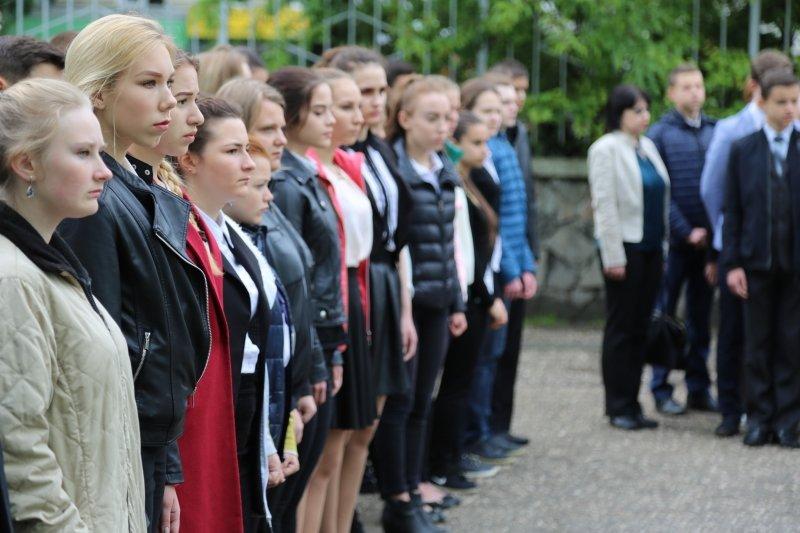 В симферопольской школе открыли мемориальную доску в память о погибшем сотруднике полиции (ФОТО), фото-3