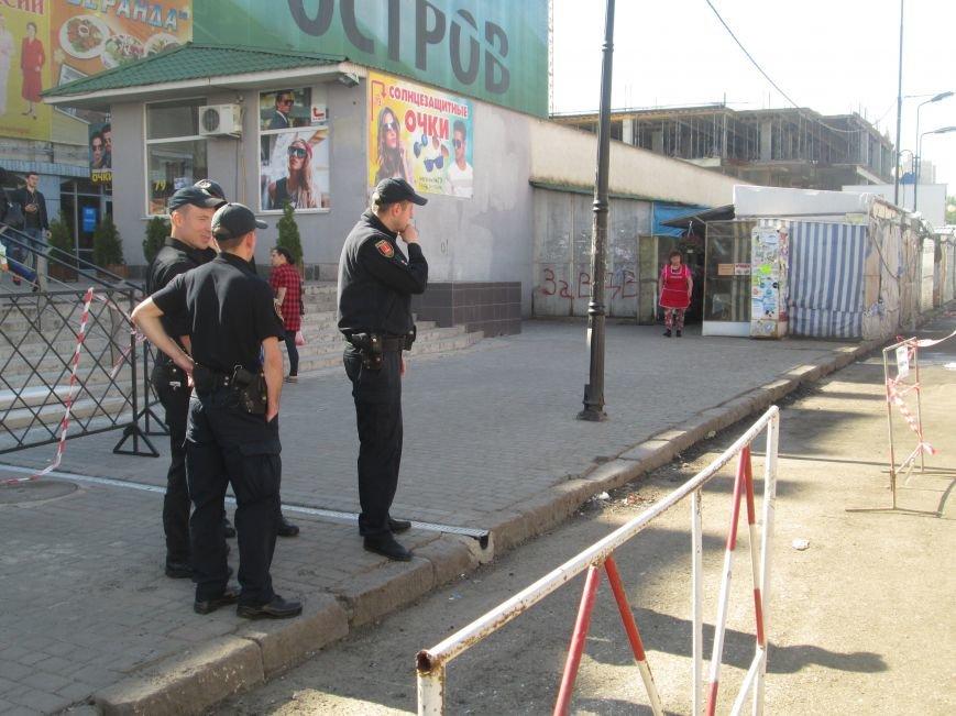 Одесская полиция против цветочников: Продавцы не настроены подчиняться копам (ФОТО), фото-11