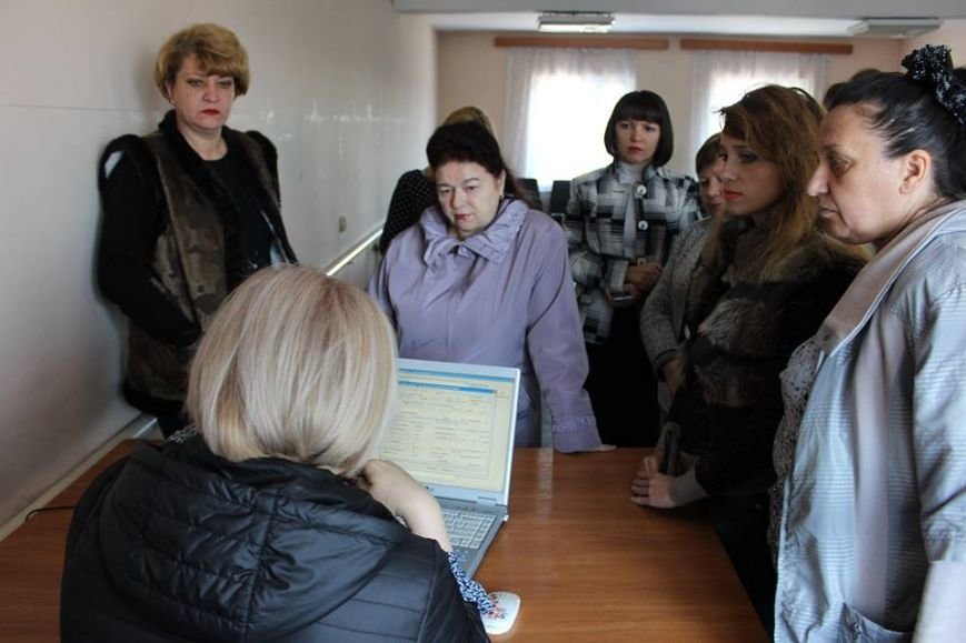 В Покровске работников горводоканала консультировали по пенсионным вопросам, фото-3
