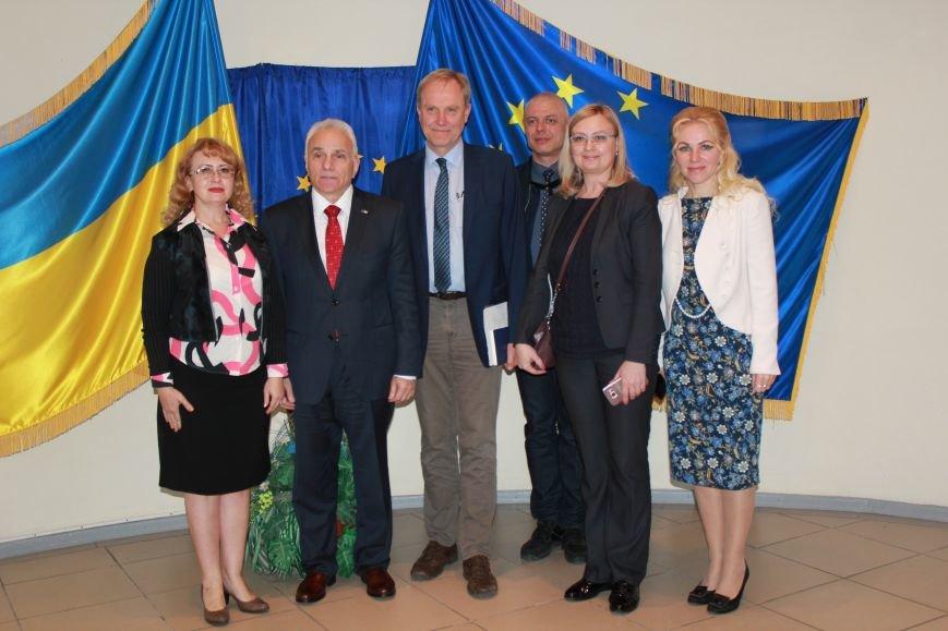 Представительство ЕС в Украине помогало найти работу мариупольским студентам (ФОТО), фото-5