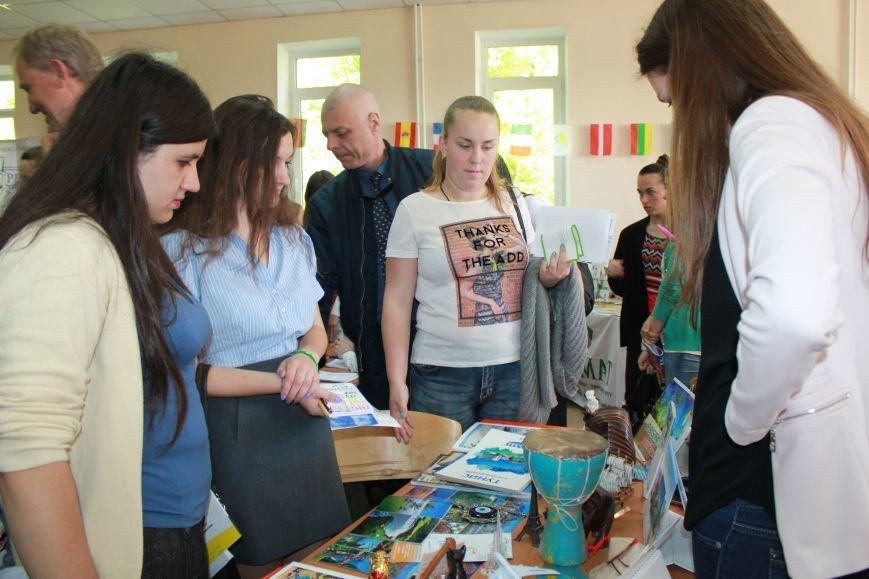 Представительство ЕС в Украине помогало найти работу мариупольским студентам (ФОТО), фото-9